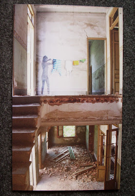 cuadros de tenderet en una casa abandonada